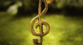 Přestaňte s tou nešťastnou muzikou. A začněte s tou šťastnou :)