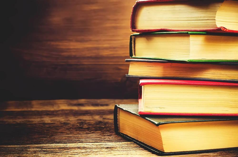 10 knih, ze kterých si vybere každý